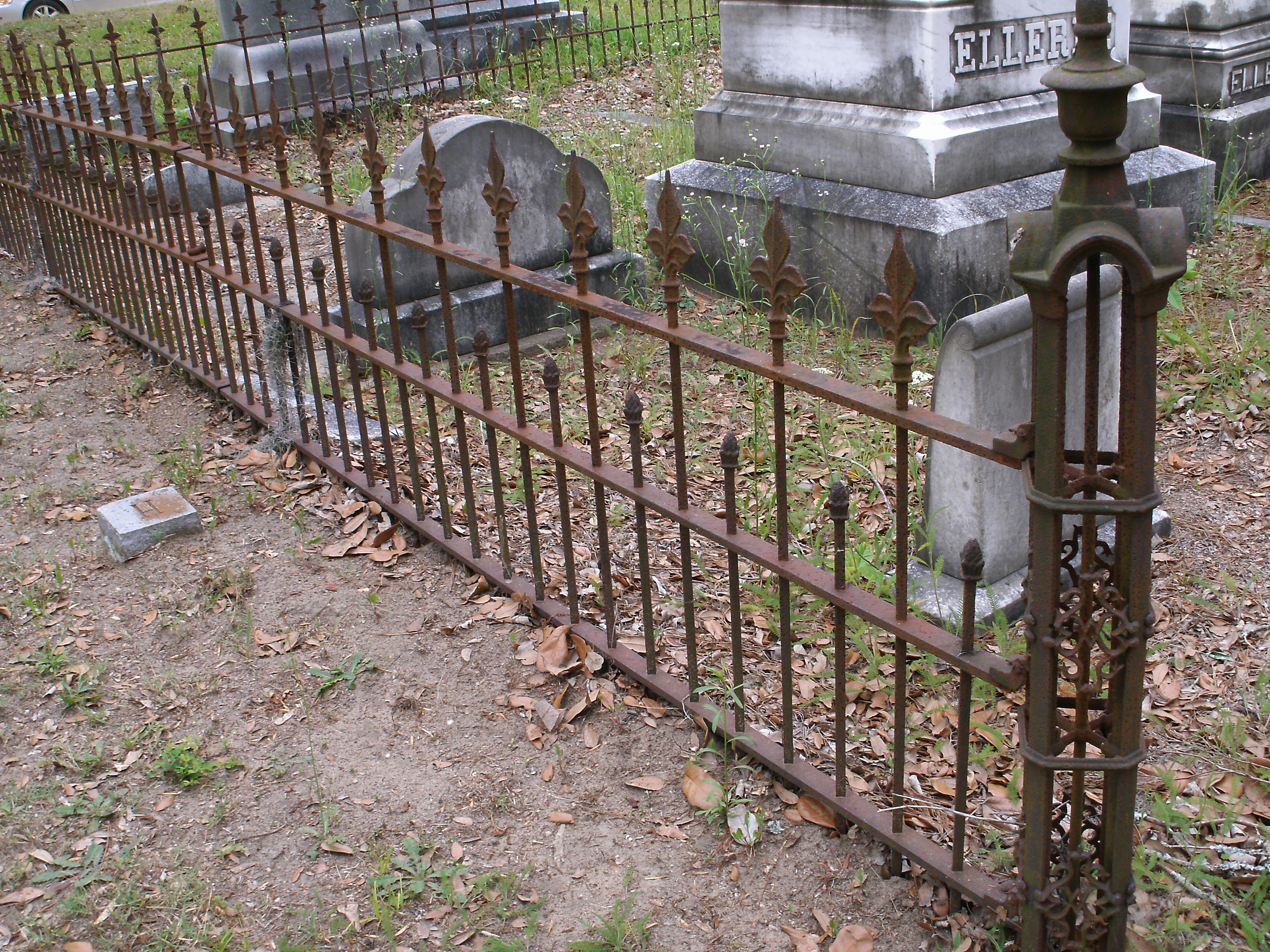 Wrought Iron Fencing Being Stolen From Governor s Grave – The Dillon